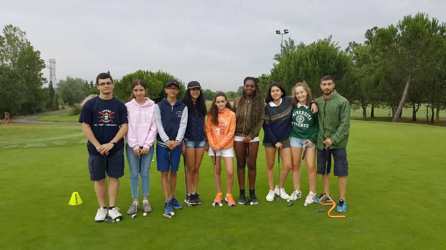 Clases golf campamento inglés o francés