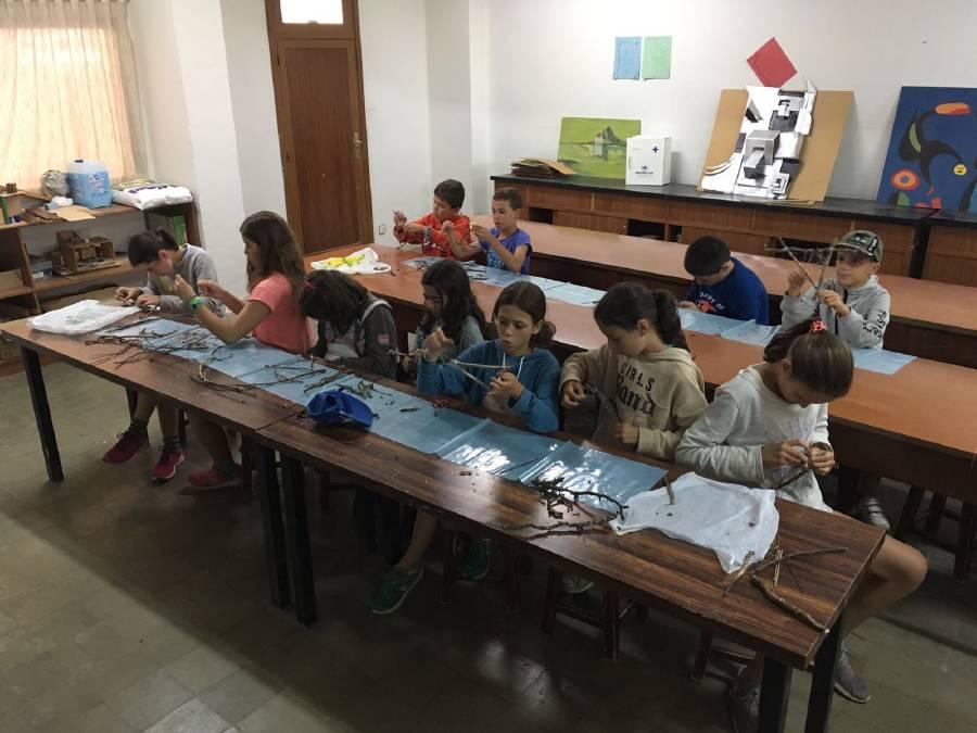 Grupo niños talleres campamento Salamanca