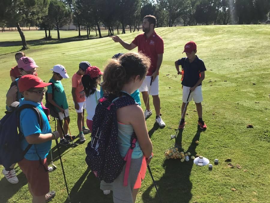 Golf en campamento inglés y francés
