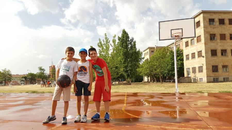 Deportes en inglés y francés Campamento de veranno