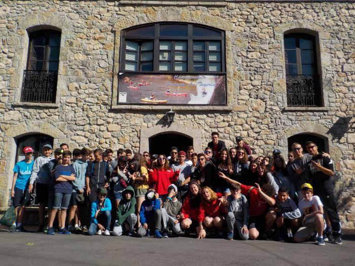 Grupo niños campamento multiaventura Asturias