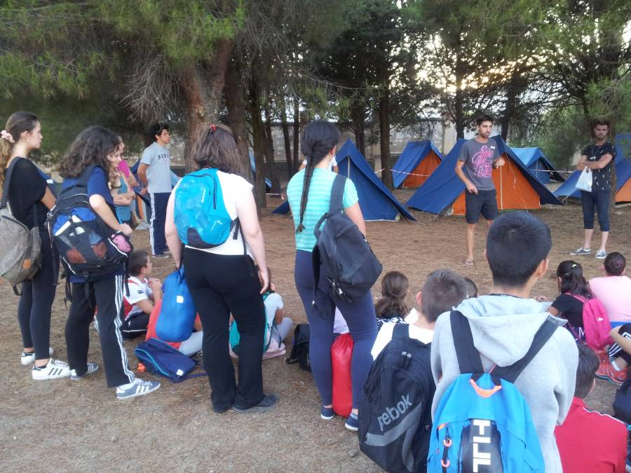 Montaje de tiendas Campamento con idioma Salamanca