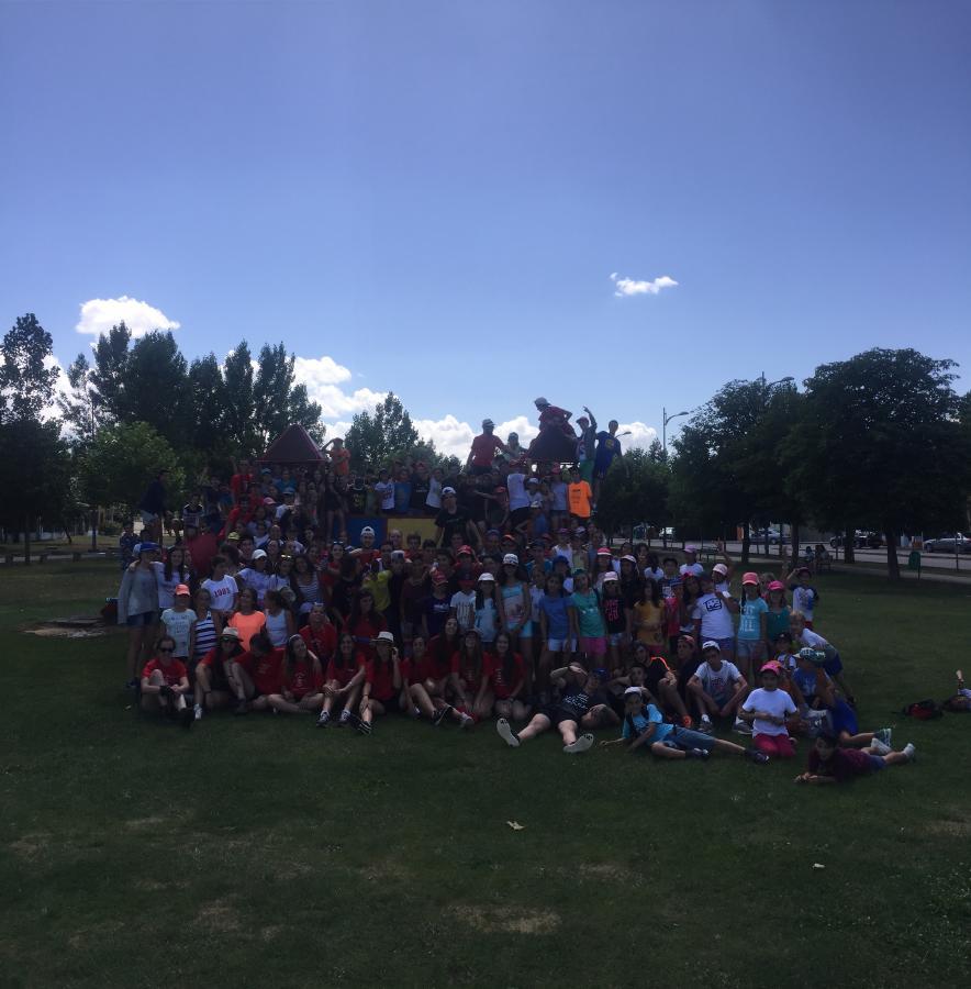 Grupo niños campamento