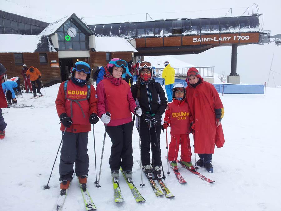 grupo de Arantxa cursillo de reyes de ski en saint lary, pirineos franceses.