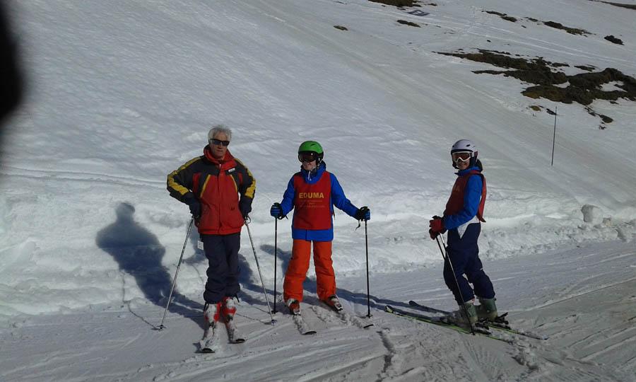 clases de esqui todos los niveles en Saint Lary, pirineos franceses para infantil, jovenes y adultos, solos o en familias