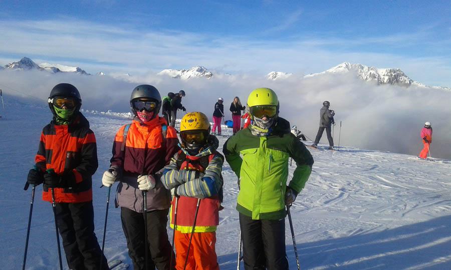 clases de ski todos los niveles en Saint Lary, pirineos franceses para infantil, jovenes y adultos, solos o en familias