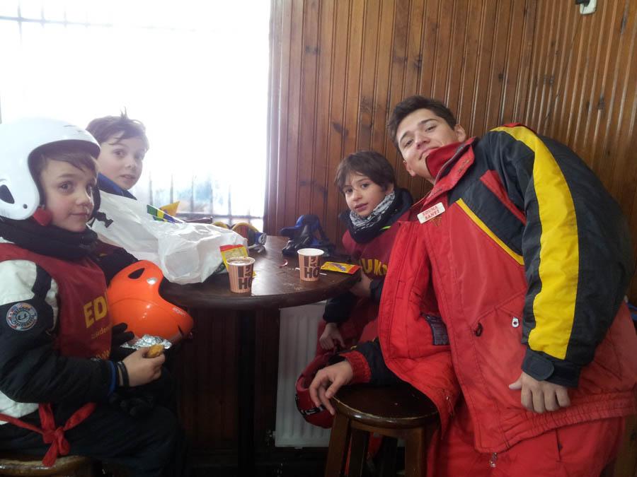 cursos de ski con monitor todo el día, solo dos horas o por libre, a partir de 6 años