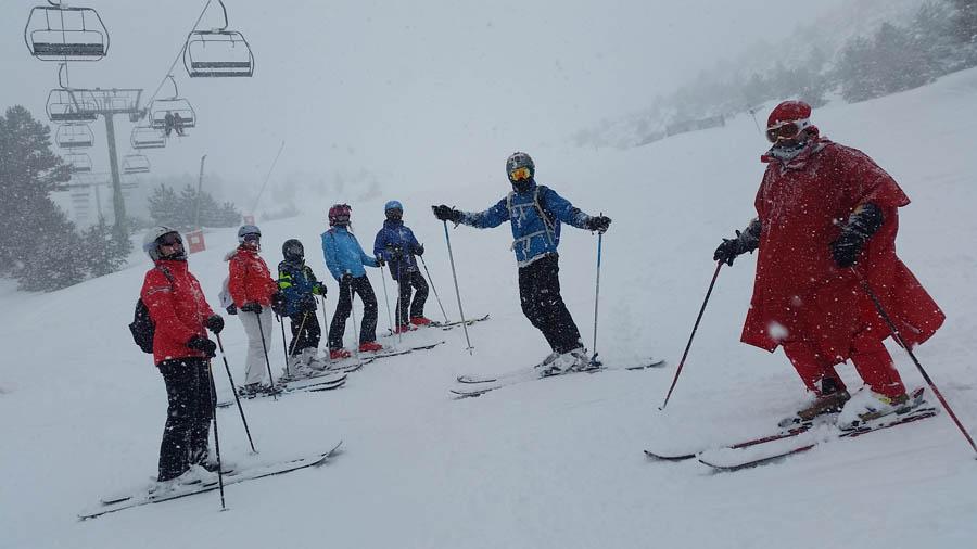 cursos de ski para adultos, jovenes y niños a partir de seis años, solos o en familia