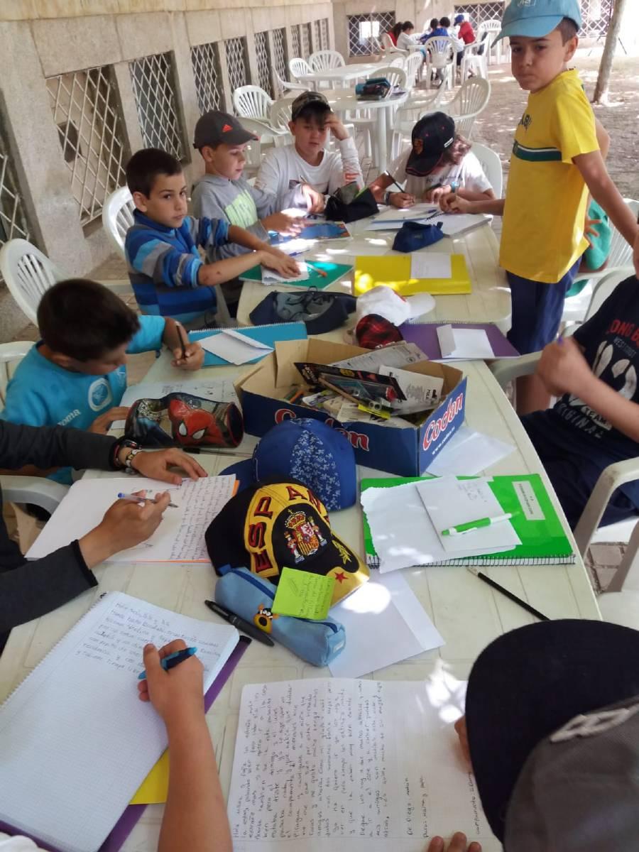 escribimos cartas de campamento
