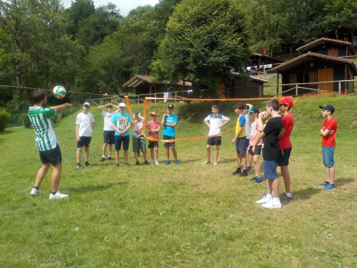 volley ball en campamento Asturias