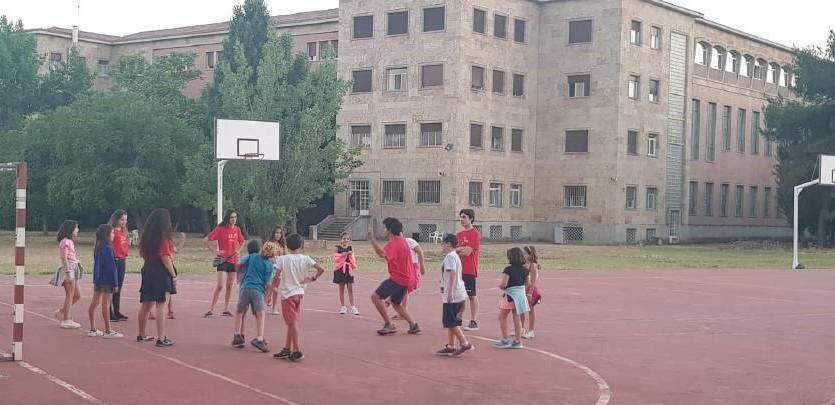 Juegos niños en campamento Salamanca
