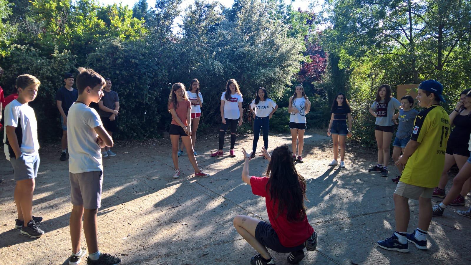 juegos de presentación del campamento de verano en Lozoya