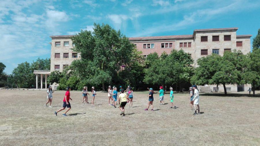juegos de pradera en Salamanca Summer Camp