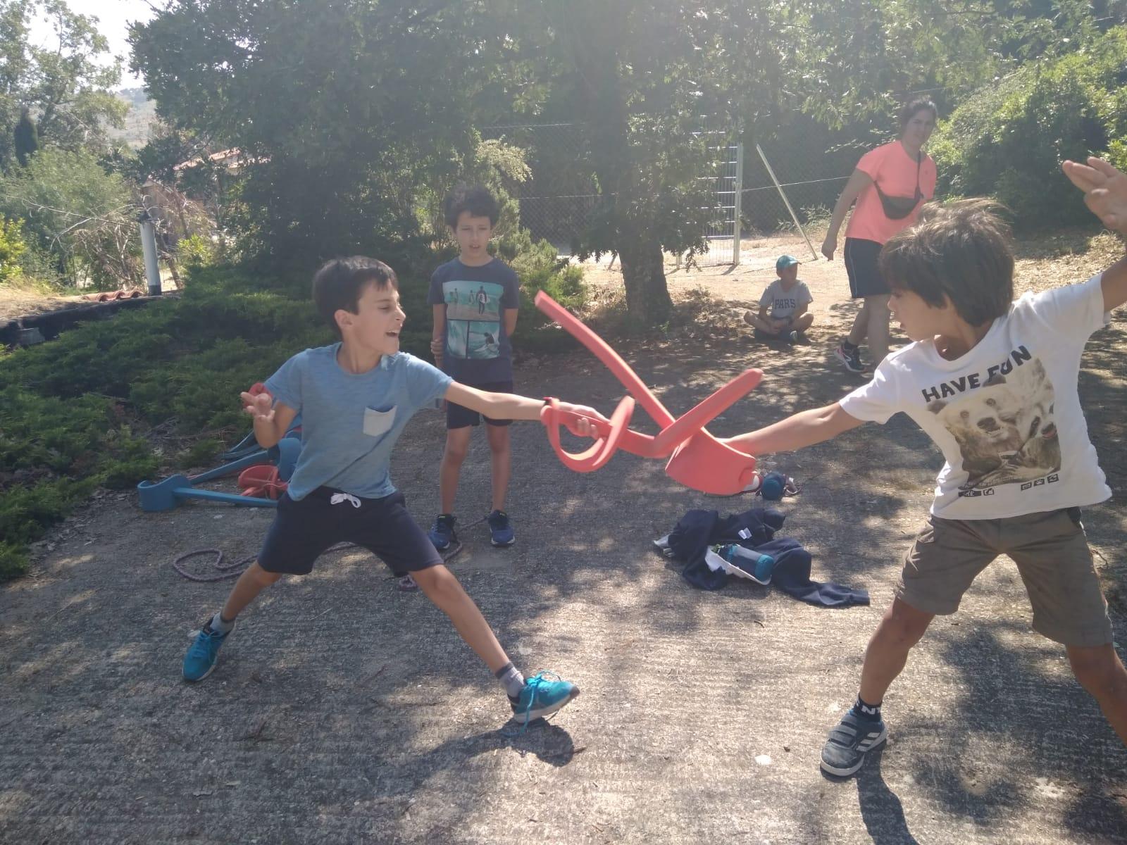 iniciación al esgrima campamento