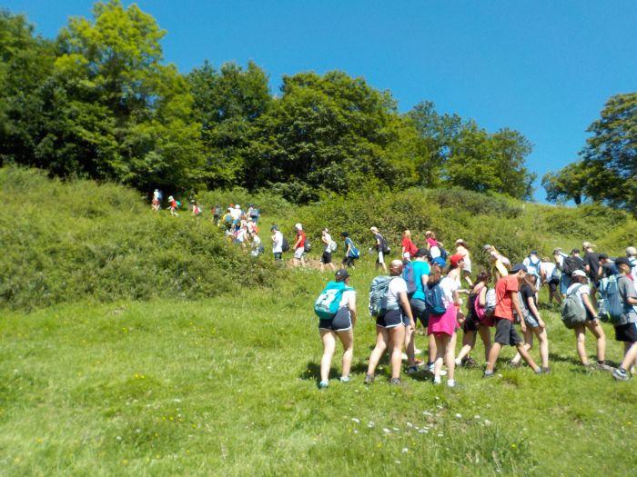 Senderismo campamento multiaventura Asturias