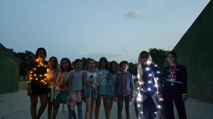 luciérnagas en el campamento