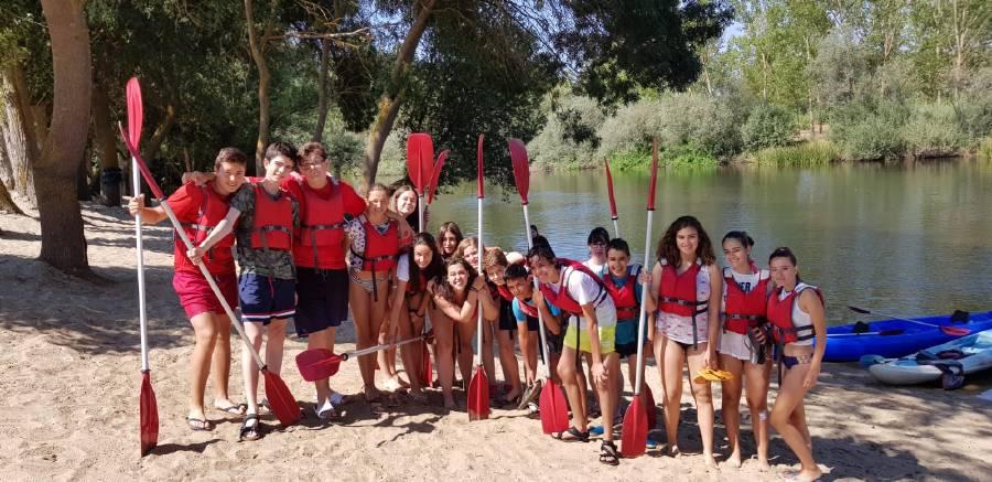 piragua en el río Tormes