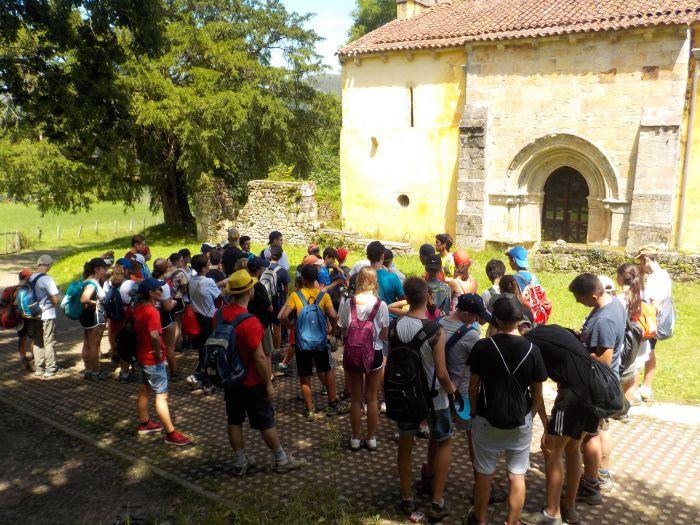 visita en el campamento de Asturias
