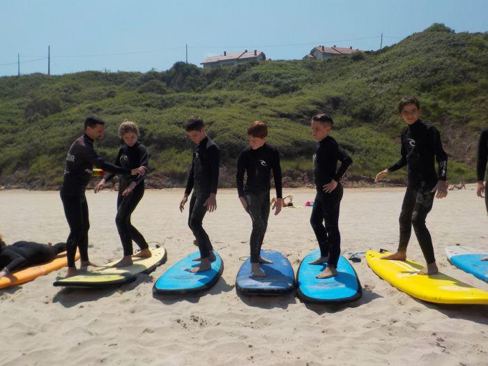 aprendiendo a surfear en Asturias