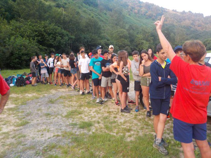 fila en el campamento