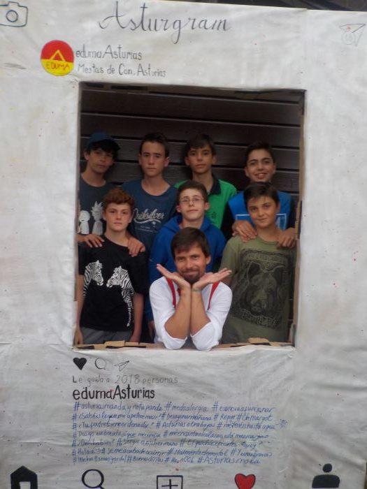 foto de serios en el campamento