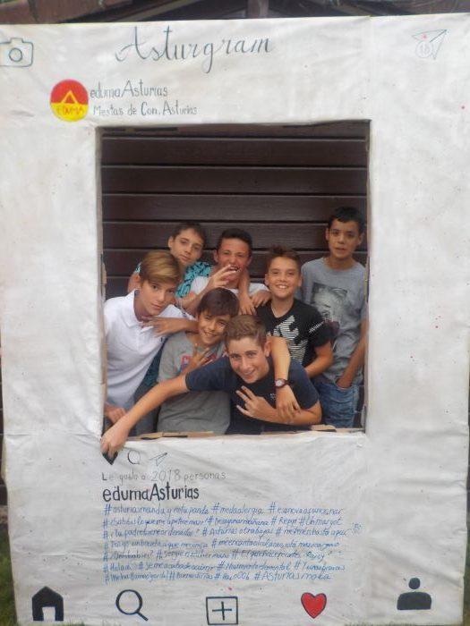chicos disfrutando en Asturias