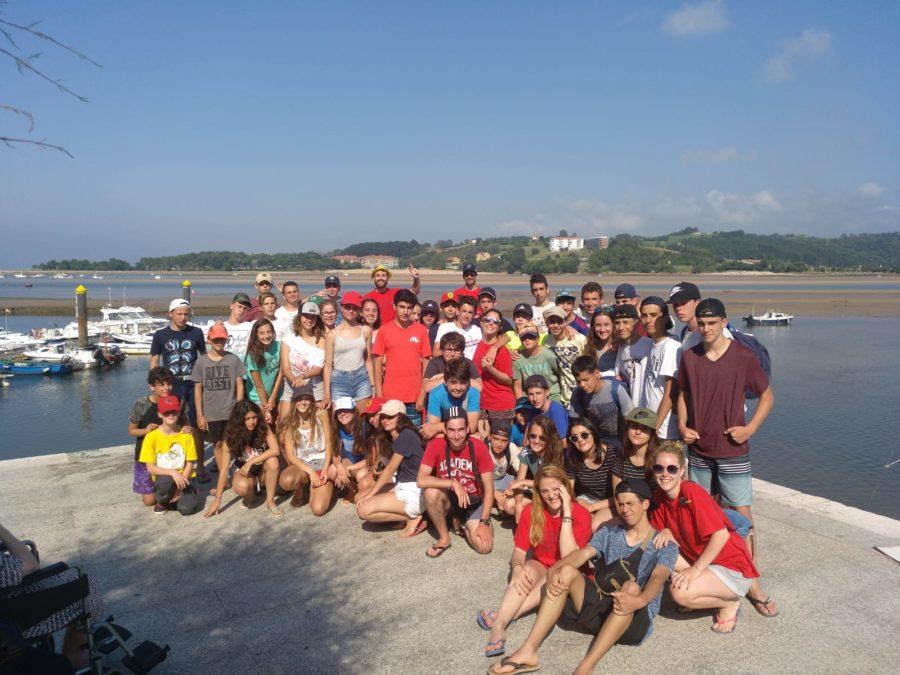 Niños excursión en San Vicente Barquera