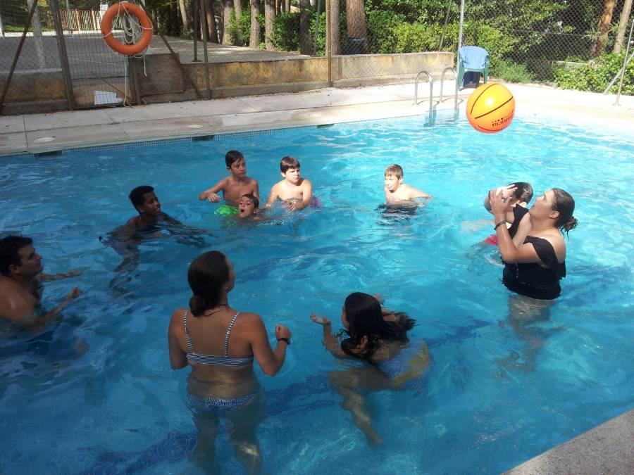 piscina en el campamento