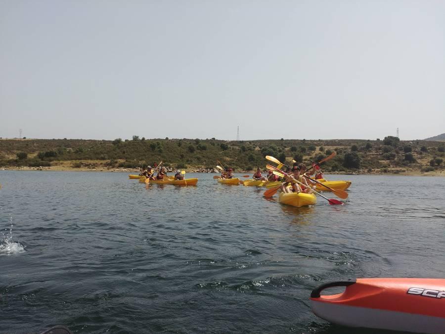 remando en agosto Piragua Campamento en Madrid