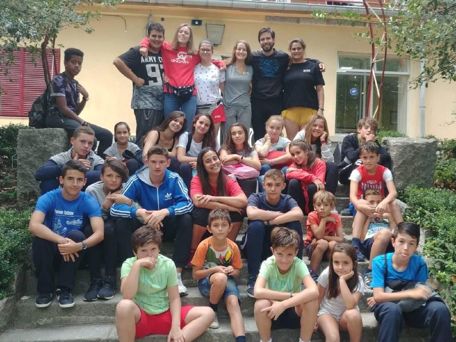 foto de grupo de campamento