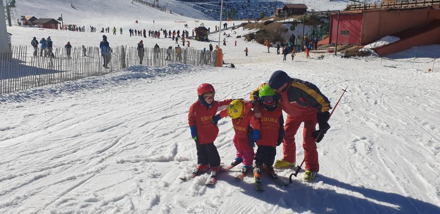 aprender a esquiar en familia Madrid