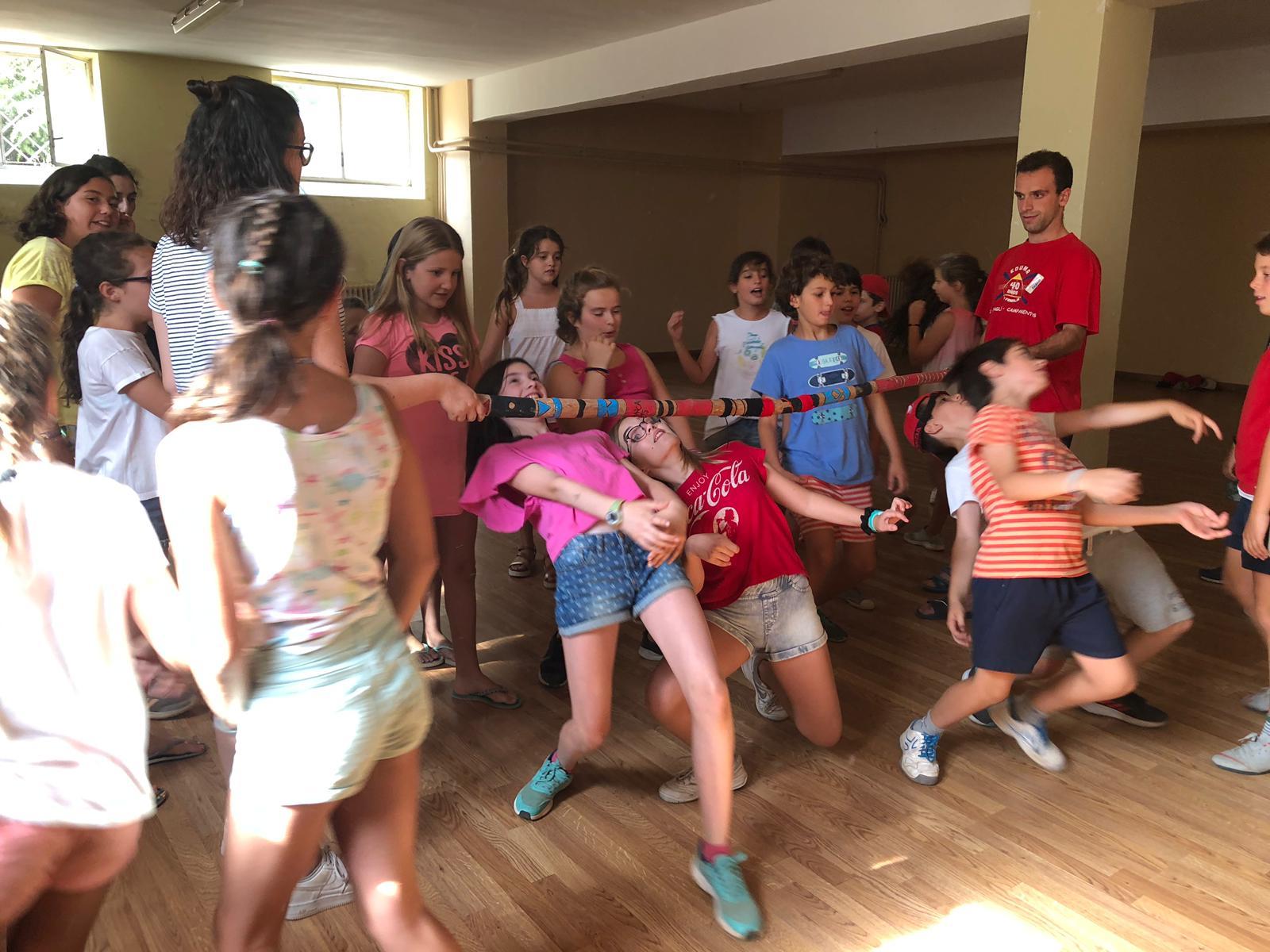 Bailes Diario campamento Salamanca y curso inglés y francés 2019