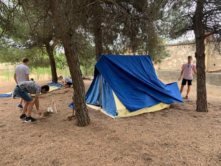 Tiendas. Campamento inglés francés Salamanca julio 2019