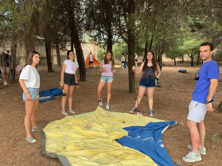 Tiendas. Diario campamento Salamanca y curso inglés y francés 2019