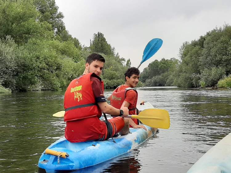 Piragua Diario campamento Salamanca y curso inglés y francés 2019