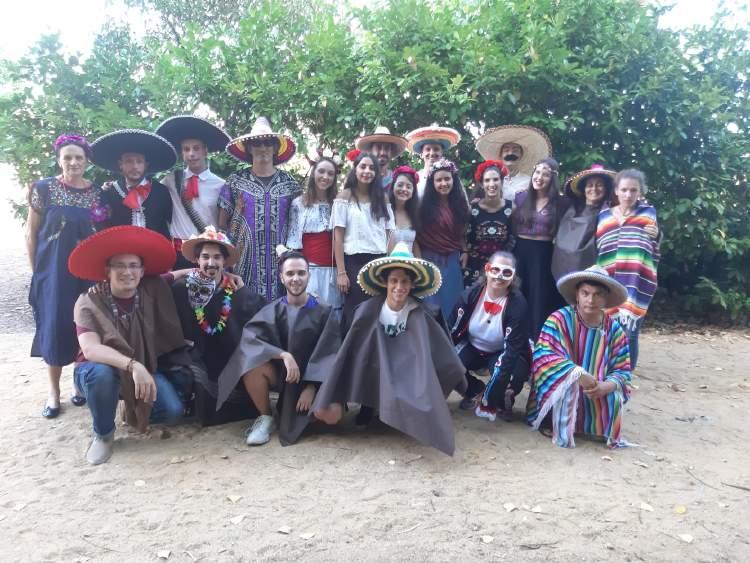 Dia tematico Mejicano. Campamento verano Salamanca julio.
