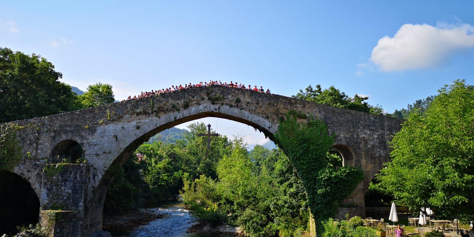 Excursión Cangas de Onis. Diario campamento multiaventura Asturias 2019