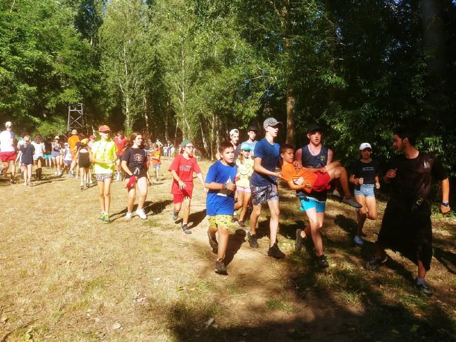 Pruebas. Día tematico en el campamento de verano en julio