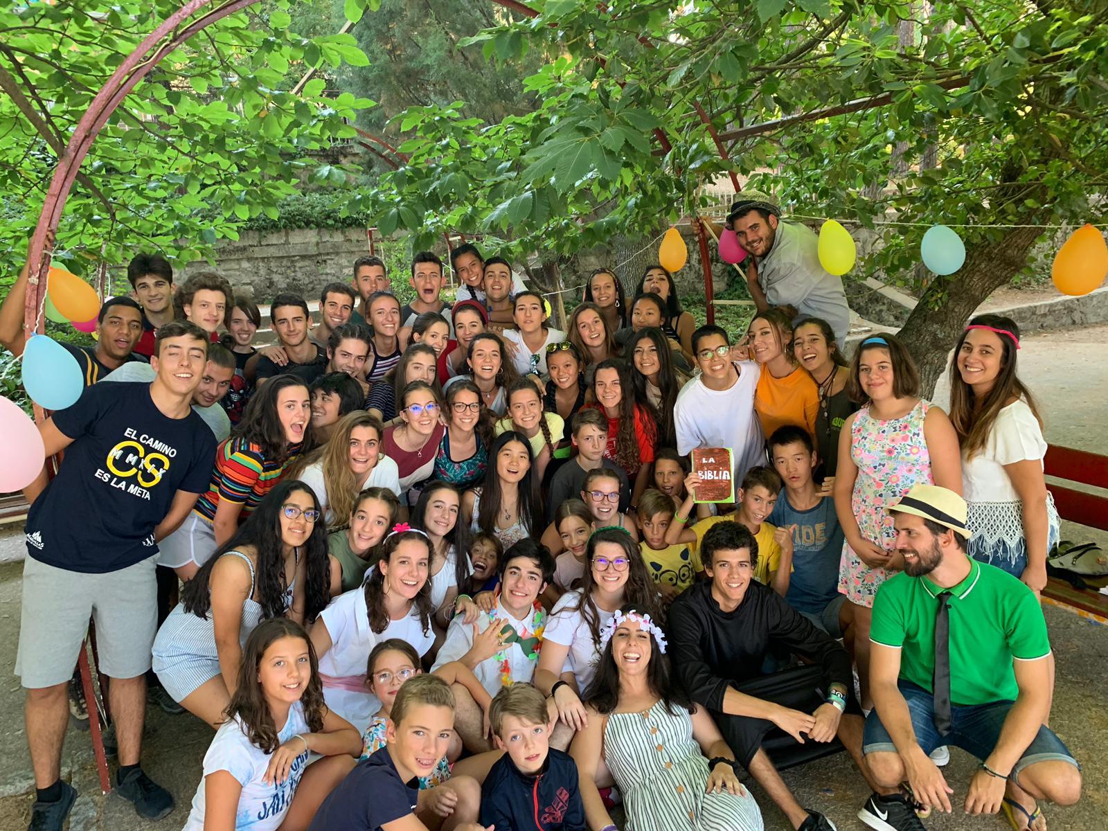 Grupo de niños. Campamento de verano en Madrid Sierra Guadarrama