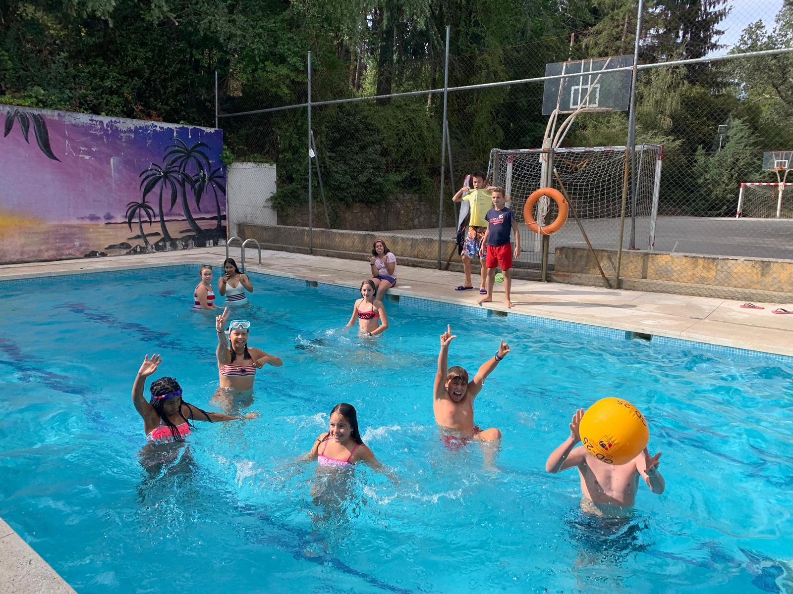 piscina en campamentos