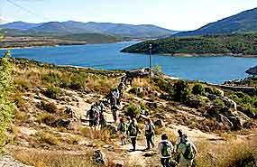 Senda del Genaro en a Sierra de Madrid. Campamento de verano para niños recomendado en julio.