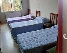 Habitaciones de la colonia de verano en Toledo Julio. Campamento cerca de Madrid.