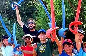 Esgrima en el campamento de verano para niños en toledo. Julio.