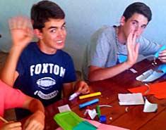 juegos en casa para niños ideas creativas en familia de interior