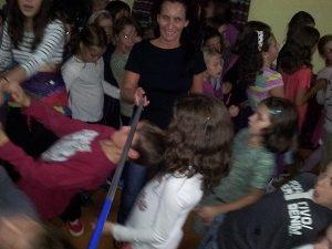 Juegos musicales para niños. Manualidades, instrumentos y actividades con música.
