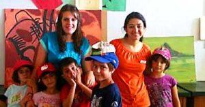 Grupo niños edad ideal para ir de campamento de verano. Mejor edad para primer campamento 6 y 7 años