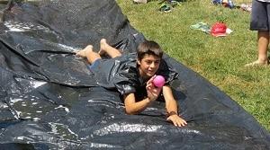 Grupos grandes juegos de campamentos de verano pruebas