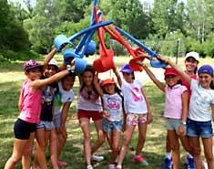 Esgrima en la acampada. Sierra de Madrid. Julio para niños y jovenes.