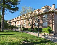 Alojamiento del campamento en madrid en Julio. Residencia
