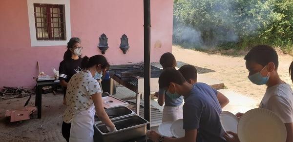 Barbacoa. Campamento verano Segovia julio